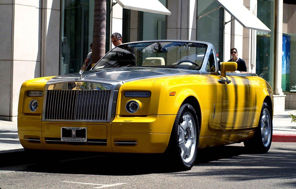 POWER CARS: Rolls-Royce Phantom Drophead Coupe (Semaphore